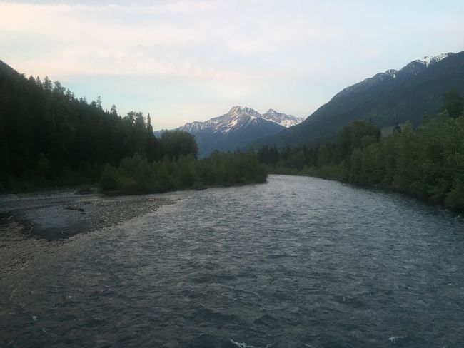 Scenery Nature River Greeley Creek Waves Trees Mountain Rocky Mountains Sunset Sky Colours Blue Yellow Revelstoke Canada