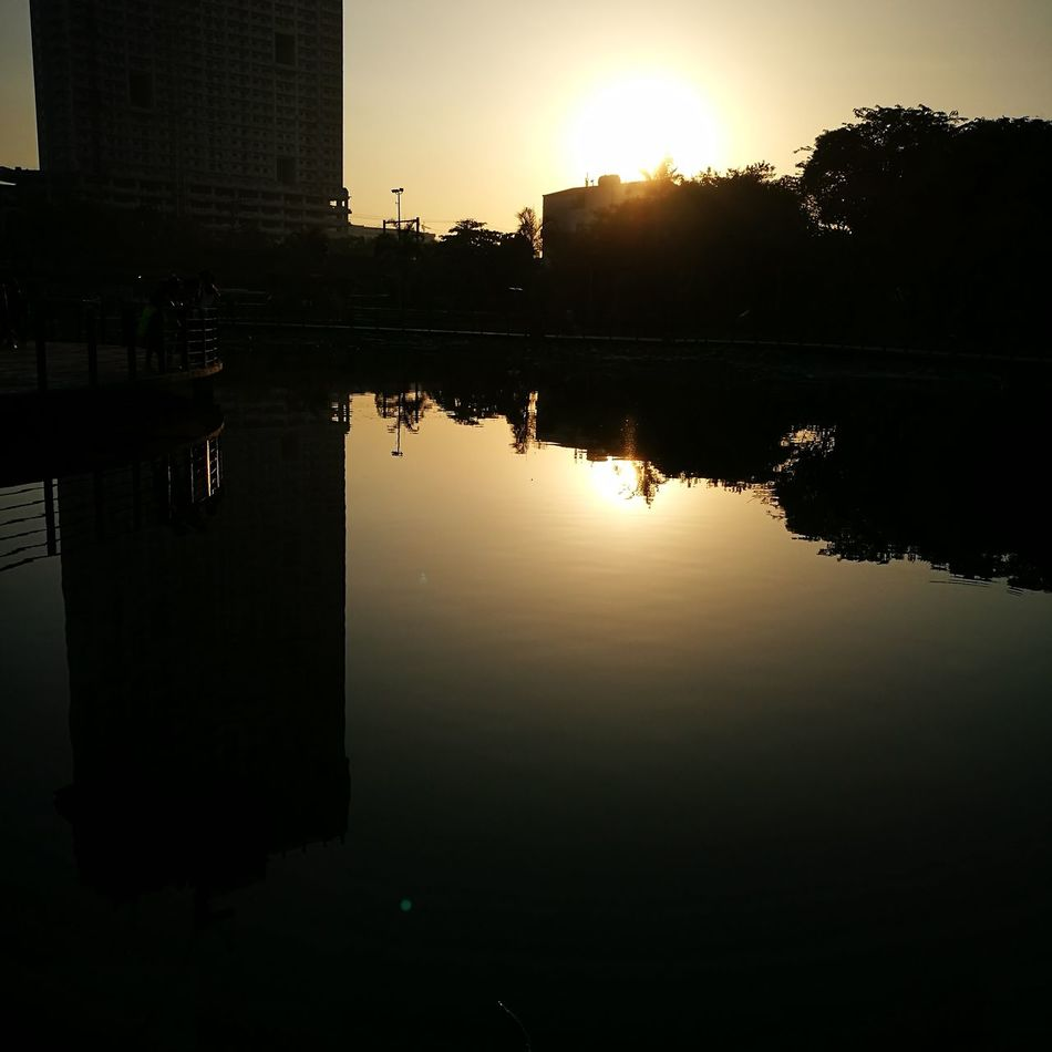 Reflection Water Outdoors Luneta P9