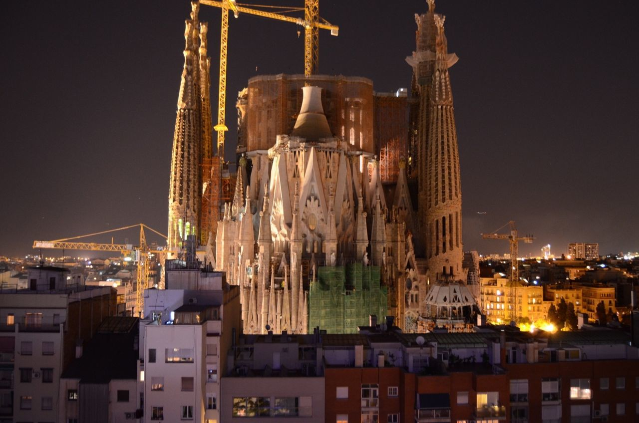 Enjoying LifegSagrada FamiliaLSagradafamilia La Sagrada Familia