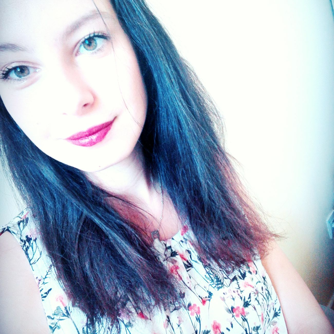 Helloworld Hello EyeEm Hi Buongiorno Bonjour Frenchgirl France French 18YearsOld Makeup Lipstick Lips Eyes ✌ Loveyou♥