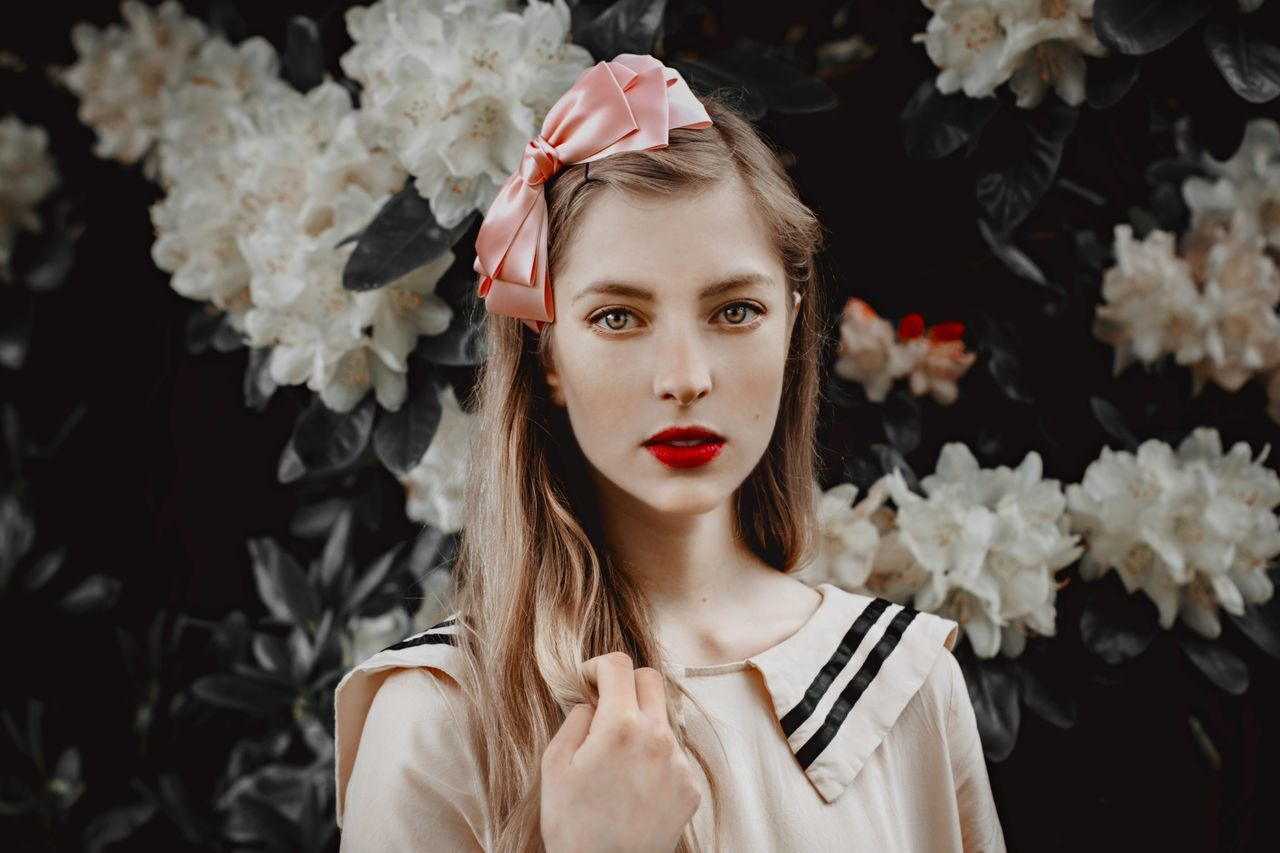 cult of flowers - with Isabelle The Portraitist - 2014 EyeEm Awards The Stylist - 2014 EyeEm Awards Flowers Girl