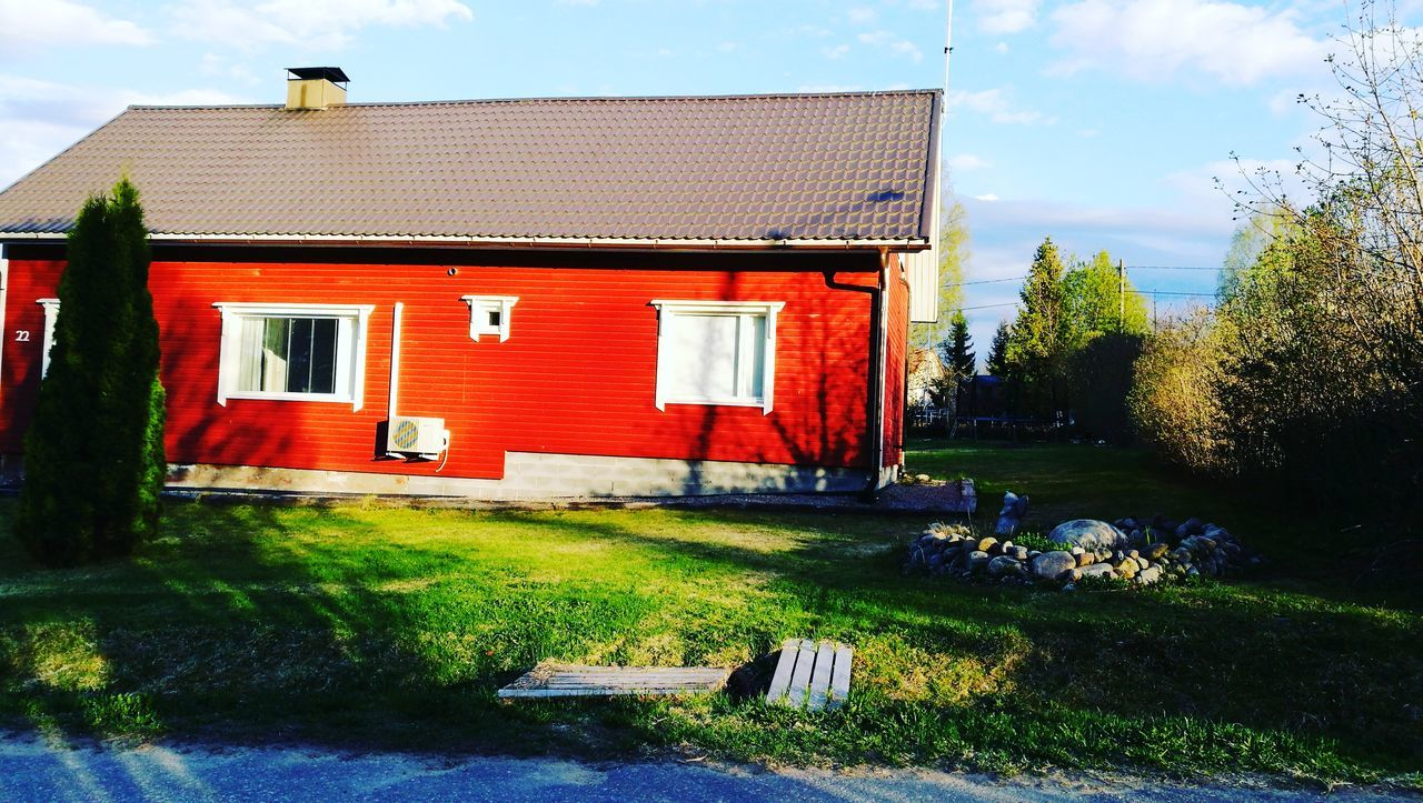 Building Exterior Outdoors House Day Red No People Built Structure Architecture Grass Sky Finland Finland <3 Finlandia-talo Finland's Clean Nature Finlandlovers Finlandia Finland Summer Sulkava Finland Finland_photolovers Sulkava Finland♥
