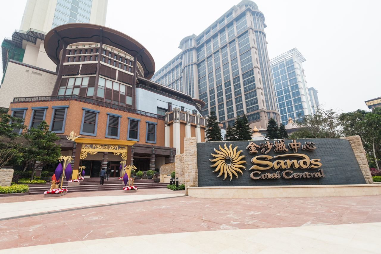 Sands Cotai Central is a casino resort on the Cotai Strip, including the world's largest Holiday Inn, Conrad, and Sheraton Architecture Building Exterior Built Structure Casino Casino Night City Conrad Cotai Cotai Strip CotaiStripMacau Day Entertainment Holiday Inn Macao  Macao China Macau Macau, China Modern No People Outdoors Sands Sheraton Sky Skyscraper Tree