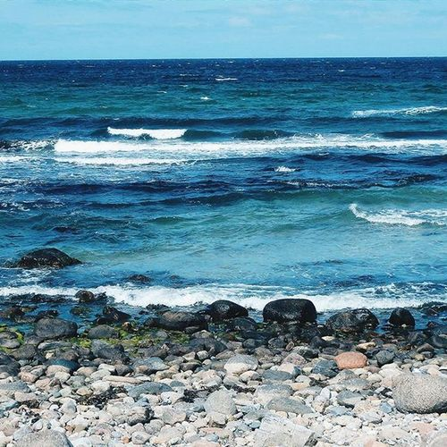 Take me back to the ocean. Ostsee Ocean Blue Beach Visualsoflife Justgoshoot Exploretocreate Folkscenery Folkmagazine Somewheremagazine Trottermag Simplethings Bevisuallyinspired VSCO Nevernottraveling Fernwehcollective Wanderlust Traveletting