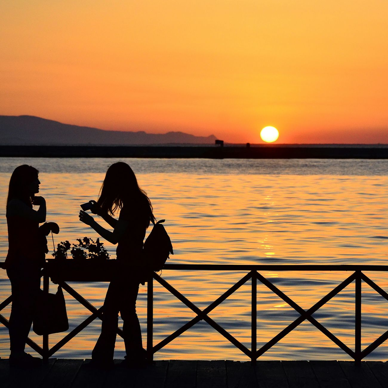 Konak İzmirde Alsancak Kordon Sunset Relaxing Enjoying Life Sunbathing Sunsetlover Sungoesdown Sunset Silhouettes