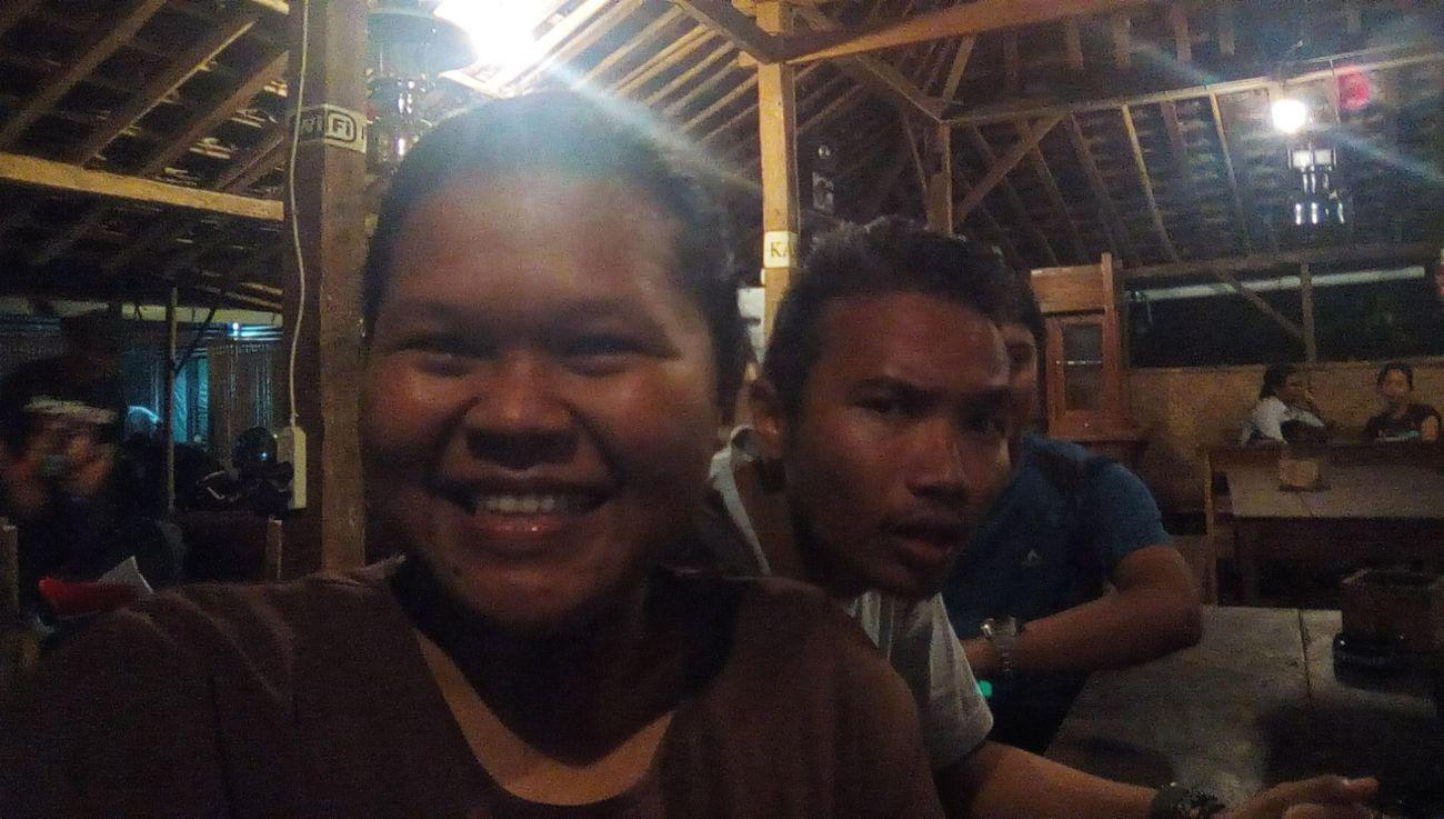 Pulang nggak bilang-bilang,tetiba udah nyamperin pas pada ngumpul,kan haru ndes Bestfriends Longtimenosee Riau-jogja Happy People Happyday Moment Lovelovelove