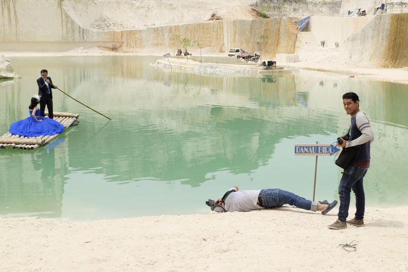 prewed Bukitkapur Jeddih Madura Indonesian Danau Hijau Full Length Mature Adult People Water Day Men Outdoors