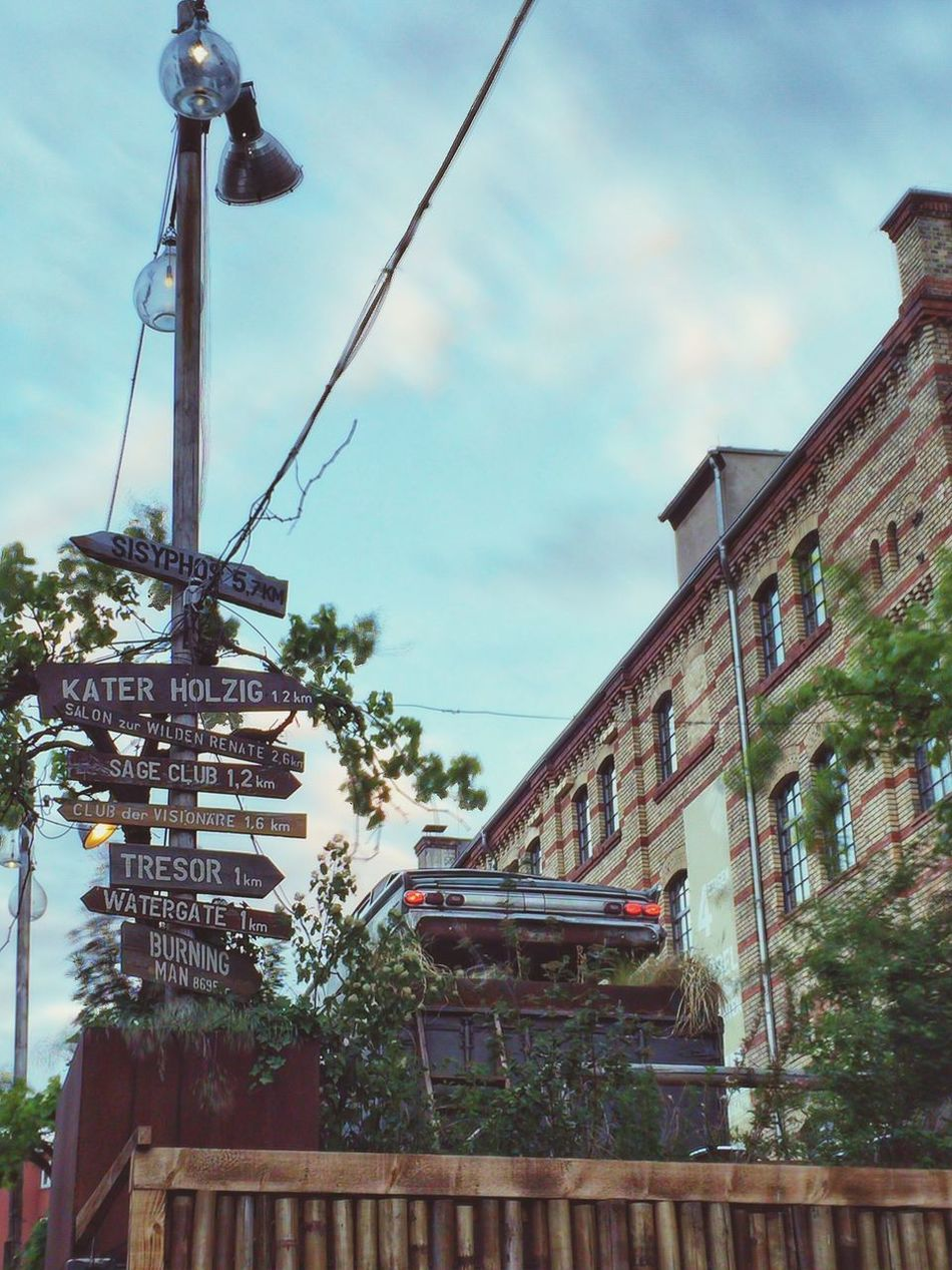 Berlin Berlin Comeandsee Canon