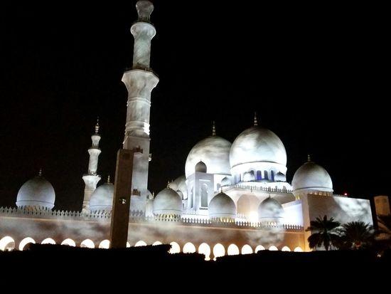 Sheik Zayed Mosque at Night. · Abu Dhabi United Arab Emirates UAE Sheikh Zayed Grand Mosque Mosque Religion Architecture Landmark Night Lights Night Photography