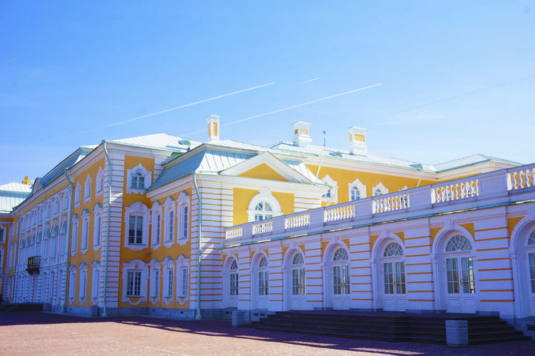2014 Architecture Building Exterior Built Structure Catherine Palace And P Catherine Palace And Park Day Outdoors Russia Saint Petersburg Sky エカテリーナ宮殿 サンクトペテルブルク ピョートル大帝の夏の宮殿 ロシア Peterhof Palace ペテルゴフ休電