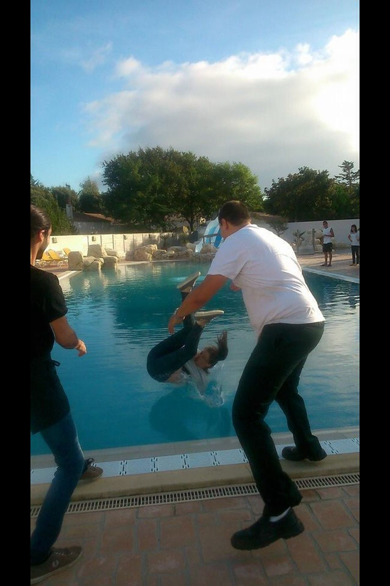 In The Swiming Pool Dur !