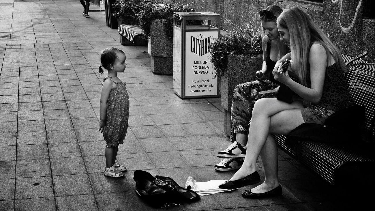 Fascination Nikon 1 V1 Streetphoto_bw Blackandwhite Finding The Next Vivian Maier