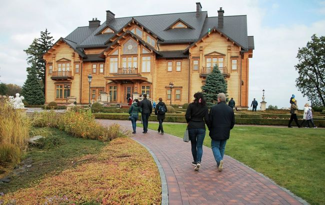 Museum of corruption Yanukovych President House Architecture Photo Canon Autumn Ukraine Fall Nature People Park Day