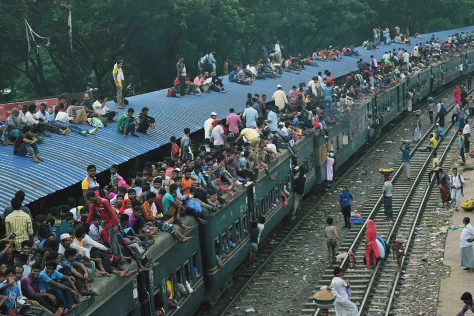 Large Group Of People High Angle View Mode Of Transport Person Tourism Vacations Crazy Moments People And Places Bangladesh 🇧🇩 Bangladesh Clear Sky Eiduladha Crowded People Day Crowd Travelling Photography Travel EyeEm Gallery New Talent