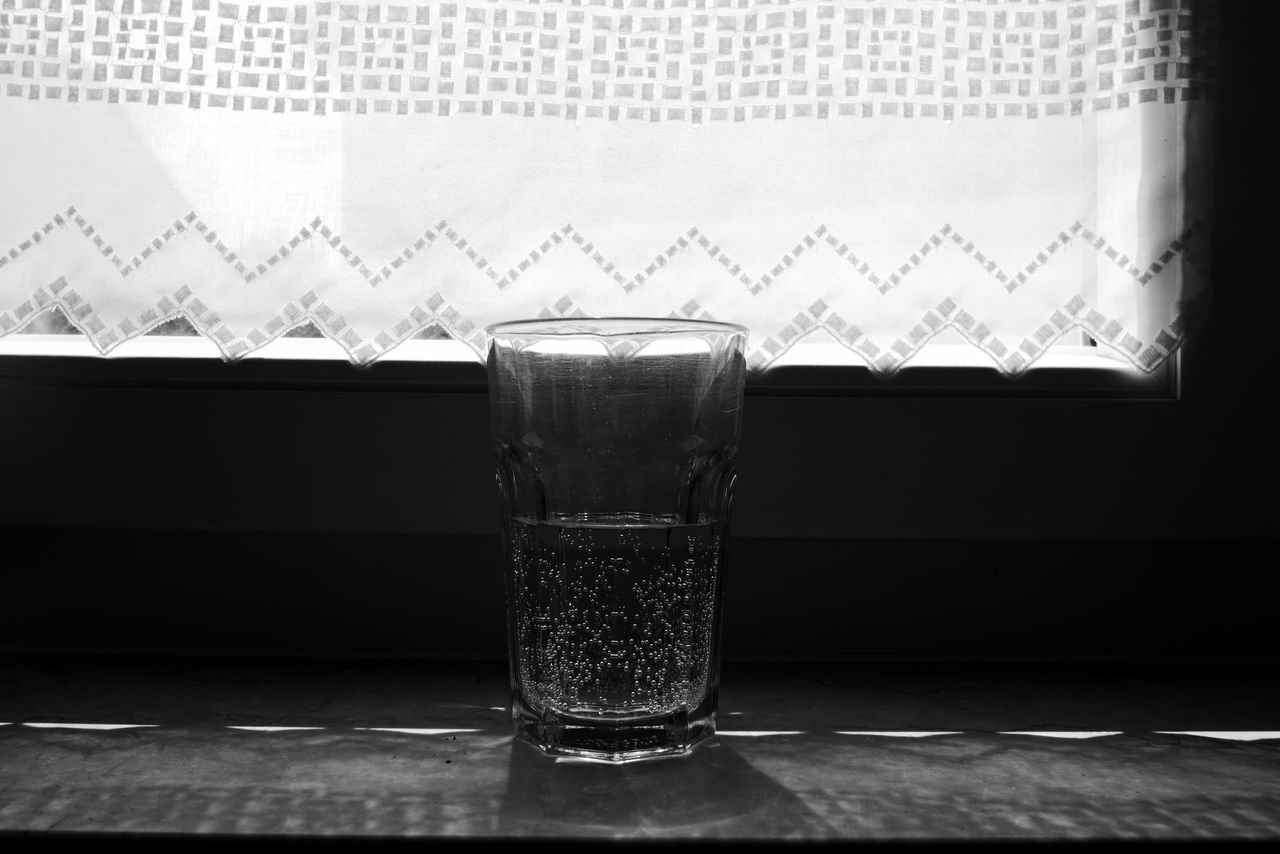 drinking glass, table, no people, indoors, close-up, water, day