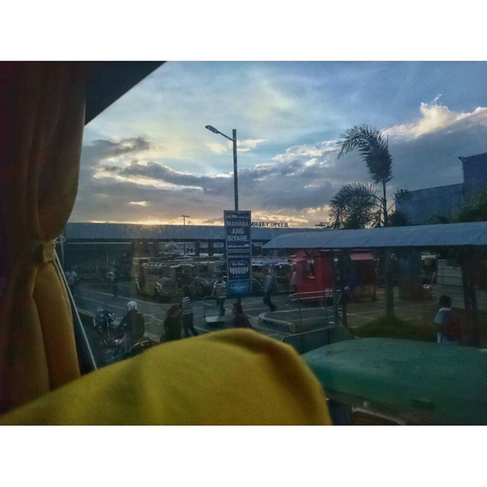 Mahabaangbyahe Legazpitomanila Manilabound Onthewaytomanila itsmorefuninthephilippines coolphotos planet_hd natur_photograph sonyphotography mobilephotography breathtaking worldbestshot_ig beatifulshotss theheavenplanet earth_deluxe