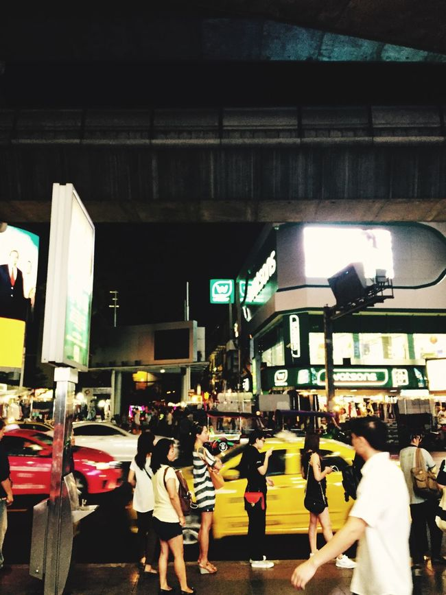 I'm waiting Night Life Life In Bangkok Ordinarypeople Bus Stop Downtown Capital City Bkk Thailand Traffic Siamcenter