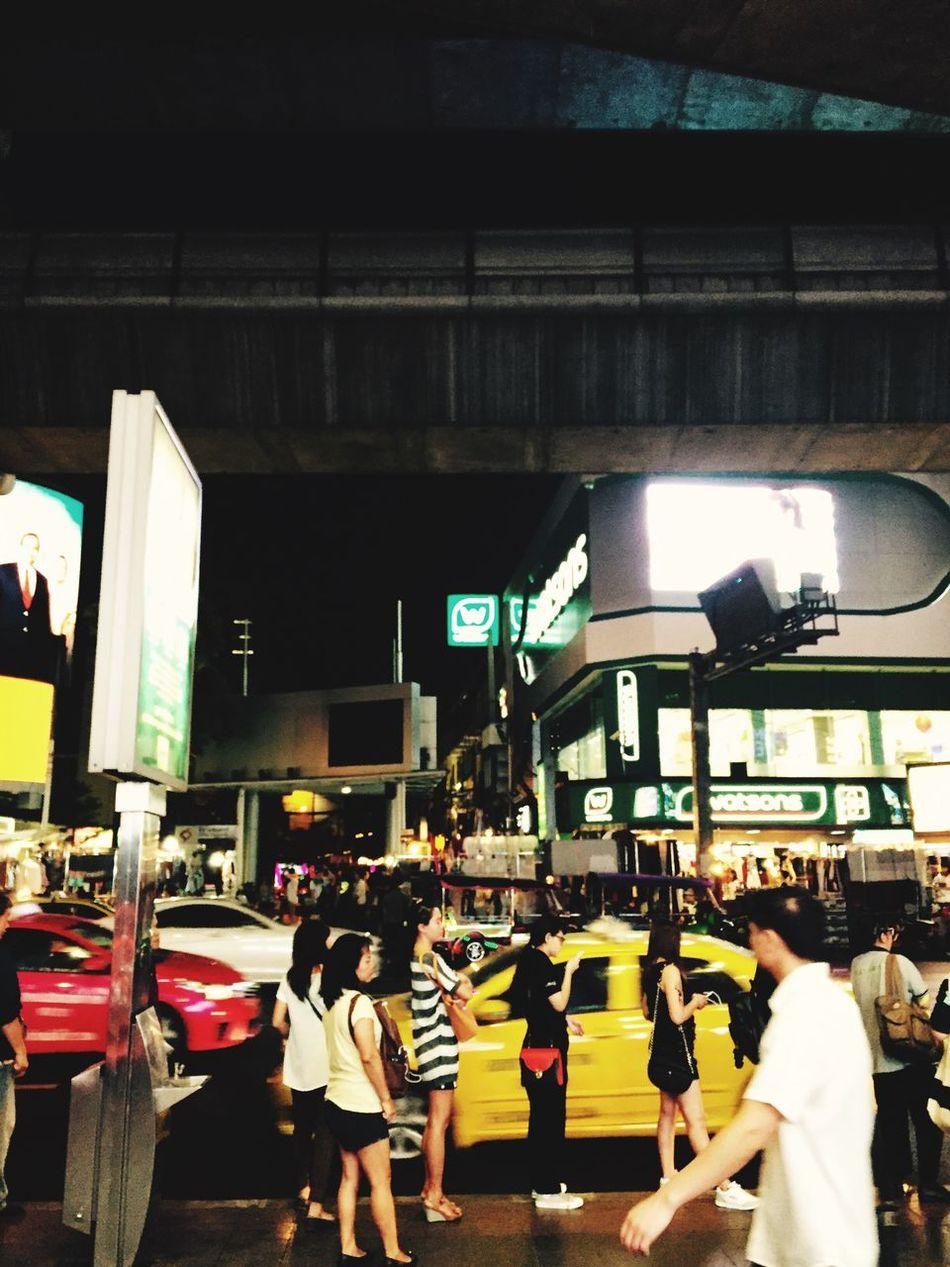 I'm waiting Night Life Life In Bangkok Ordinarypeople Bus Stop Downtown Capital City Bkk Thailand Traffic Siamcenter