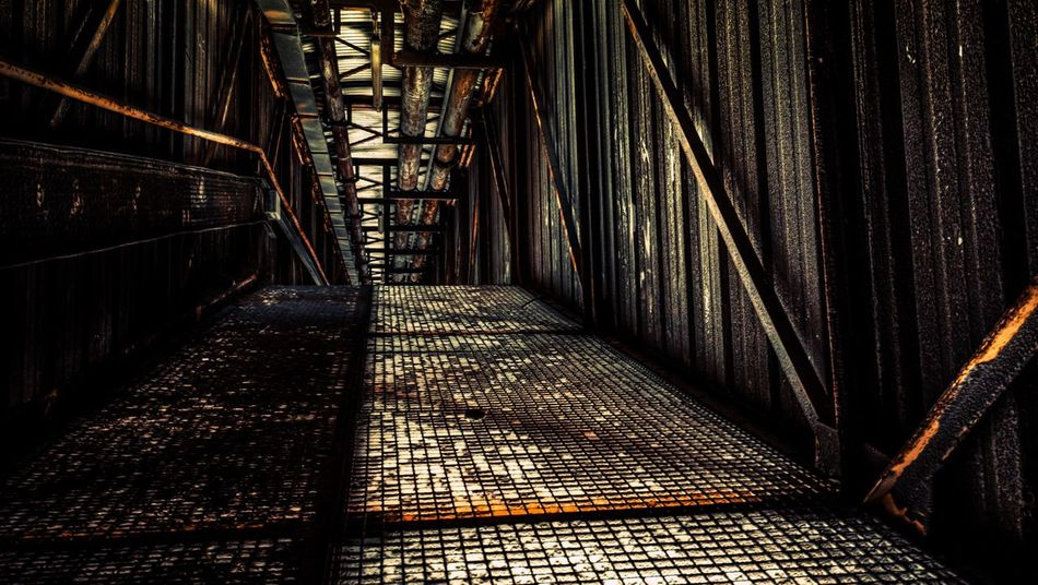 Abandoned cement factory 2016 Rusty Rust Instagood Maelan_takes_pics Urbex Urbexphotography Exploring Indoors  Dark Darkness And Light Darkness Grid Metallic Industry Apocalypse Urbexexplorer Light Light And Shadow Nikon Sigma10-20 Sigma Nikonfr France D7100 Photography