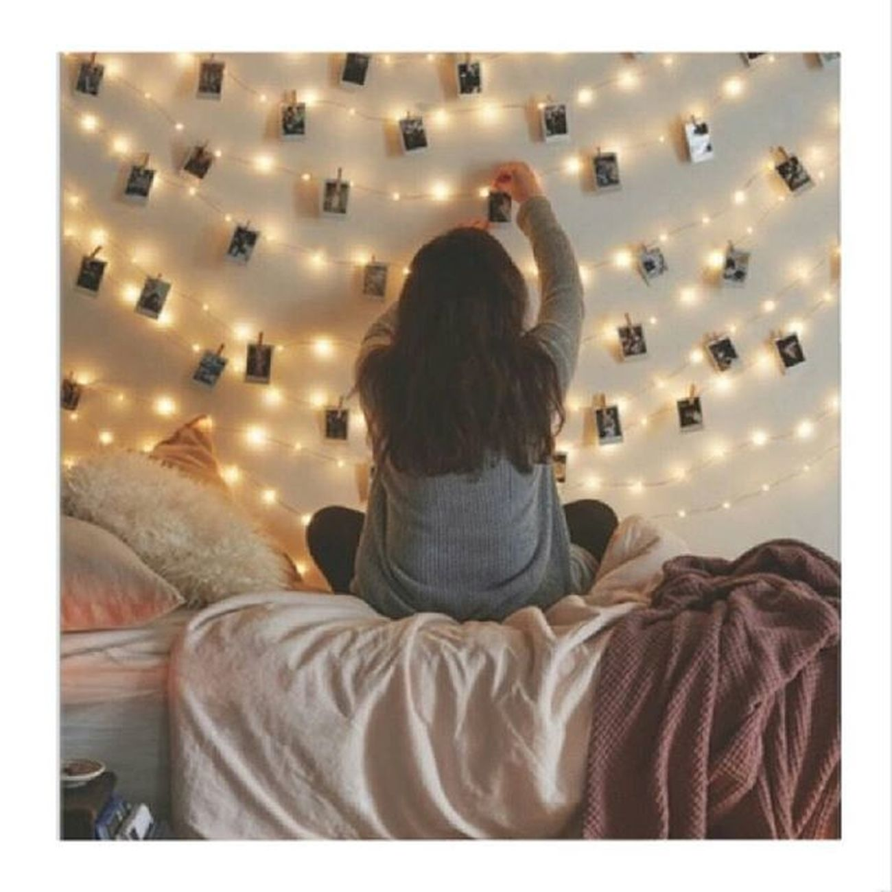 Quot Liegen/Hängen/Kleben bei euch im Zimmer auch überall Fotos?😂 Auot Jaaa😂