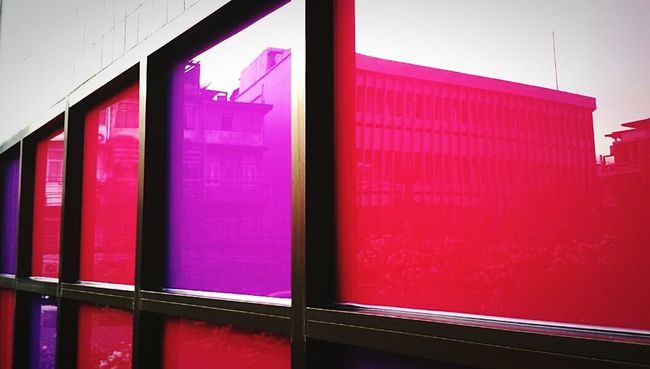 Courlorfulles, Decorative building courlorfulles effect, Light and Effects, Perspectives in Glass, Getting In Spired.