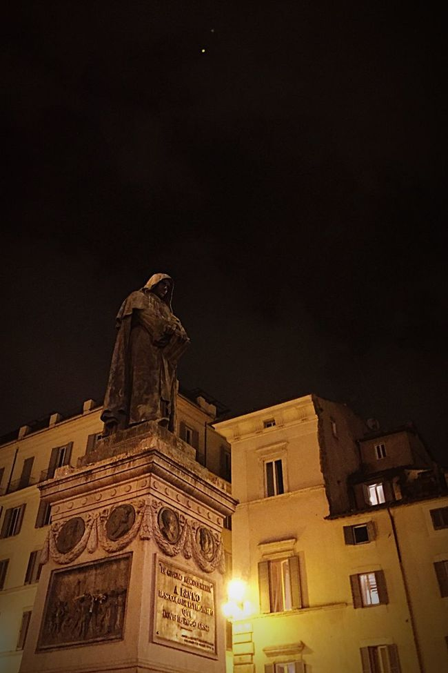 Learn & Shoot: After Dark Statue Monk  Giordano Bruno Night Photography Night Sky iPhoneography Learn & Shoot: Balancing Elements Here Belongs To Me Cities At Night