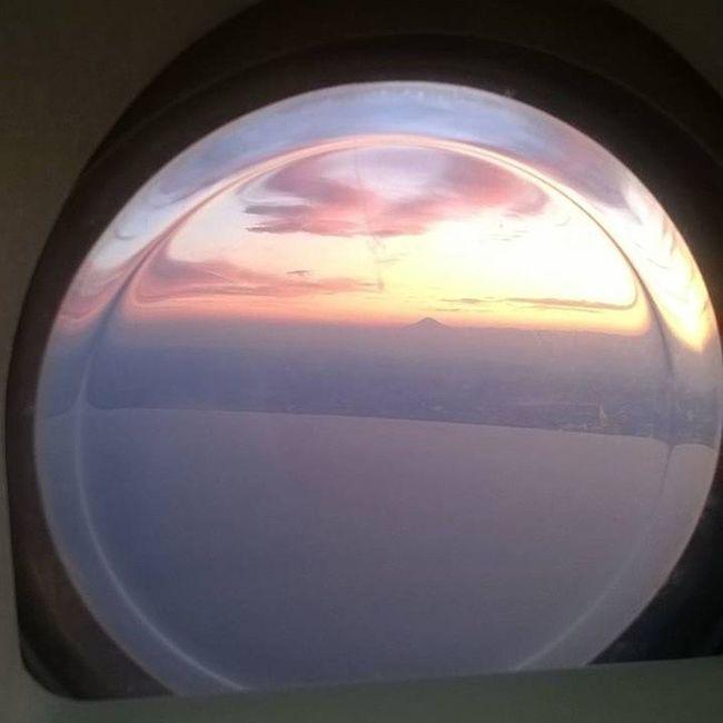 機窓から。(o・・o)/~綺麗 山 夕暮れ時