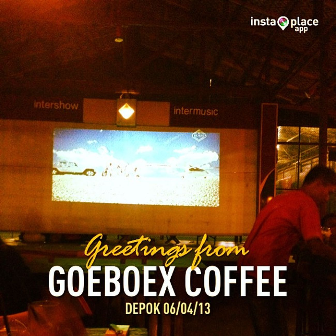 Jogja InstaPlace Instaplaceapp Instagood Travelgram Photooftheday Instamood Picoftheday Instadaily Photo Instacool Instapic Picture Pic @instaplacemobi Place Earth World INDONESIA Id Depok Goeboexcoffee Coffee Street Night