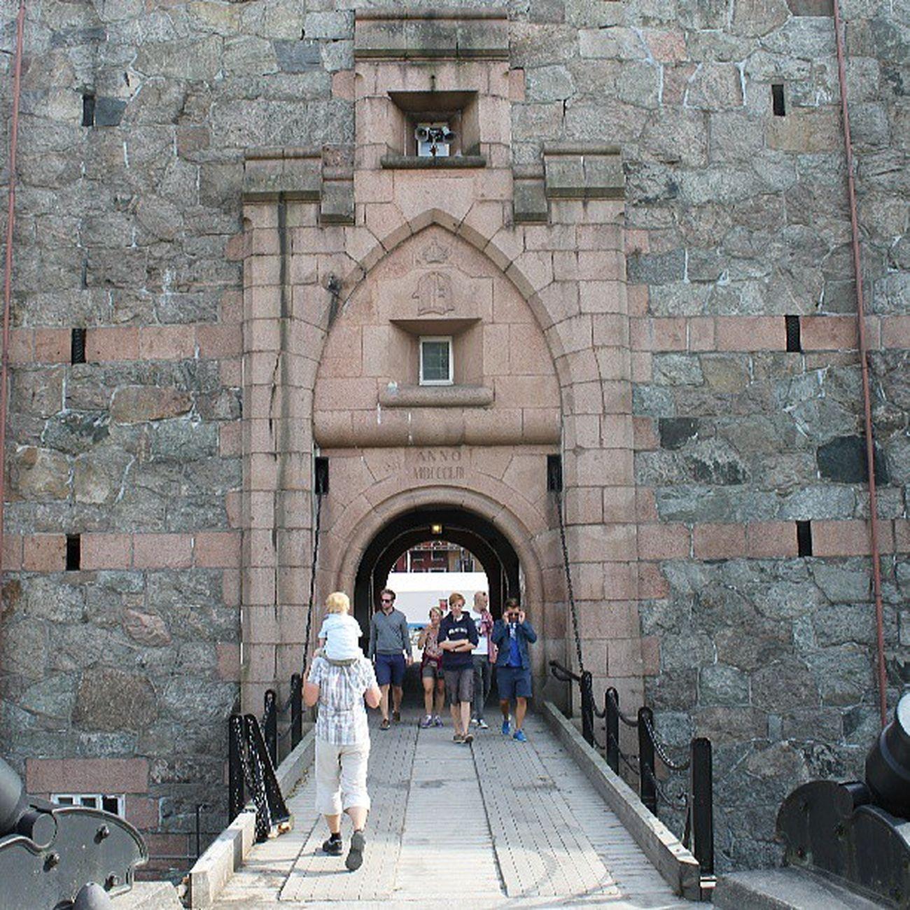 Dr øbak Frogn Follo  Akershus ilovenorway ilovenorway_akershus sommer sol summer oscarsborg fortress entrance 1853
