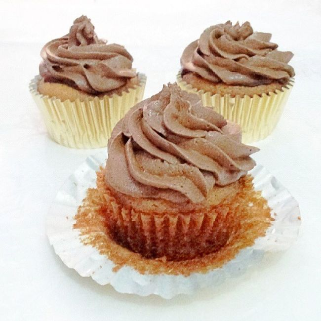 Choco cocopandan cupcakes Babiefabulouscakes Homebaked Baking Cakes cupcakes chocolate cocopandan flavor sweetcakes instacake potd dailycakes