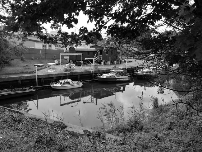 168/365 Hafen in Pinneberg Smartphoneography Huaweiography HuaweiP9plus Monochrome Blackandwhite Leica Eyeemgermany Eyeempinneberg Sorcerer86 Photooftheday Photo365
