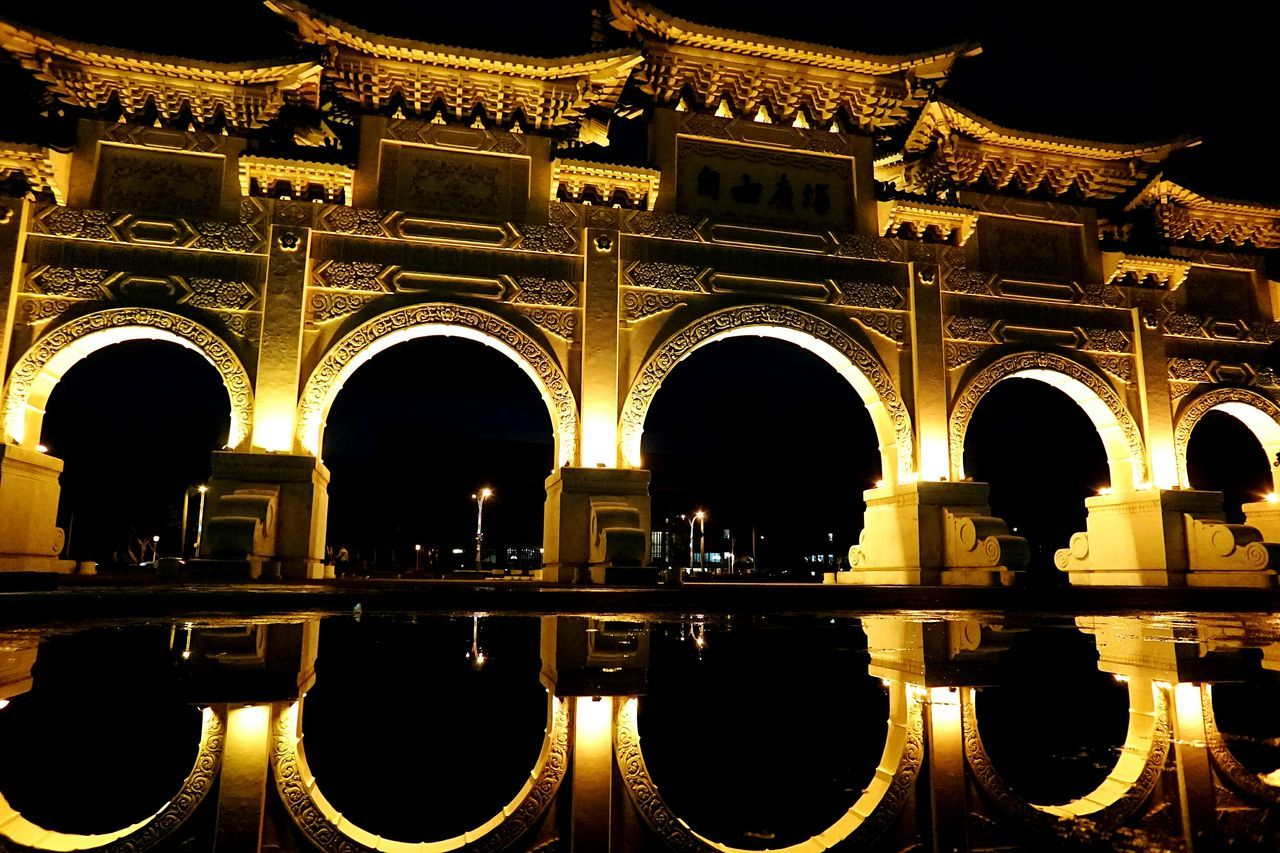 Reflection Architecture Arch Travel Destinations Illuminated Gold Colored Silhouette Golden Light Golden Arches Water Reflections Night Fountain Royalty History
