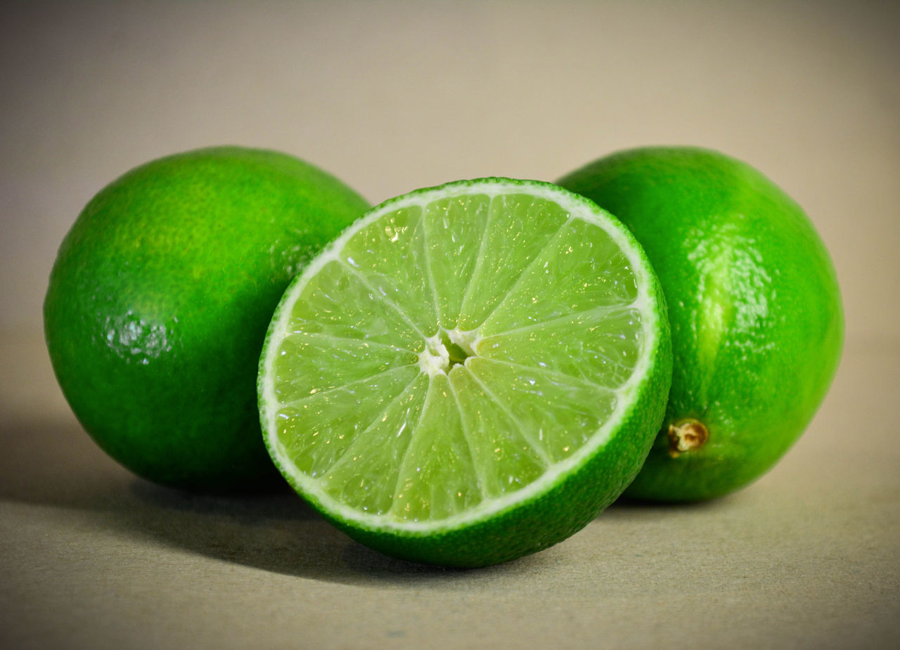 Food Food And Drink Freshness Green Color Lemon Lime Sour Food Sour Fruits Citrus Fruit Citrus  Limette Limetten Limettensaft Visual Feast Foodphotography