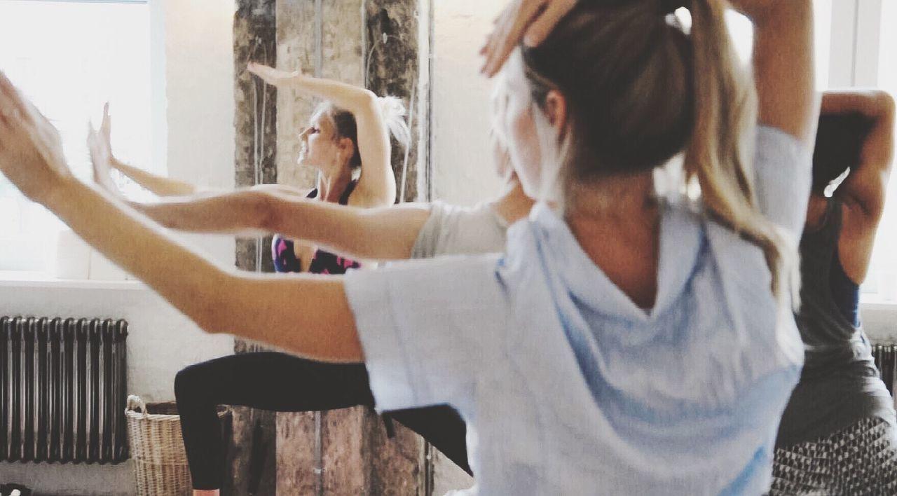 Vogue & Yoga = VOGA *XPRESS Pop up* Yoga Voga Soho Berlin Yoga Pose Yoga Class Sport Fitness Working Out Training Womens Portraiture
