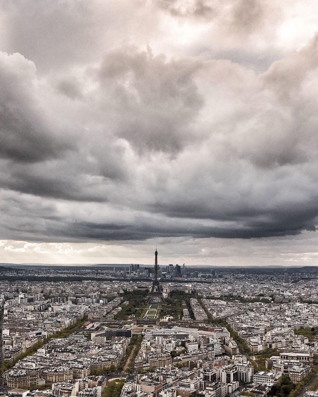 Bonsoir Paris! Good Evening Paris! Paris WWIM13Paris Photooftheday Paris ❤ Parisweloveyou EyeEm Best Shots Eyem Best Shot - Architecture Tour Eiffel Eiffel Tower Clouds And Sky