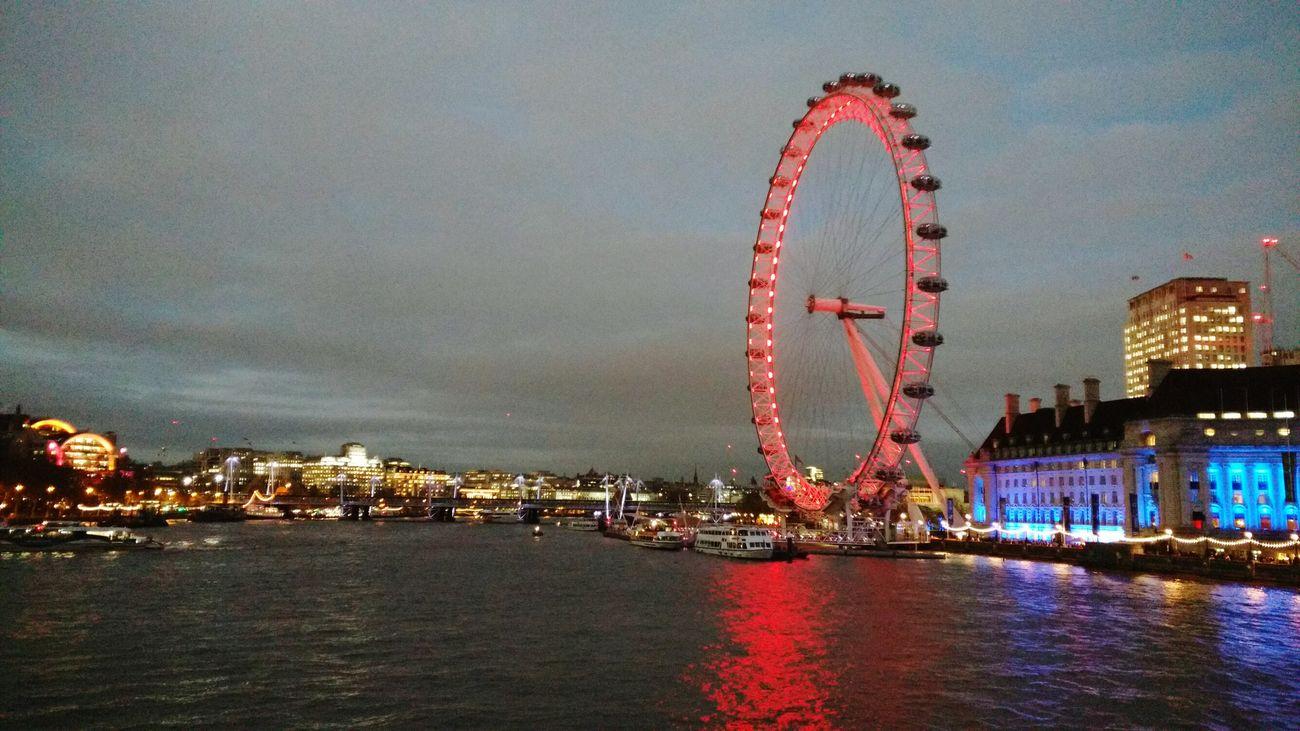Ferris Wheel Illuminated Night Eyemmarket Eyem The Week Of Eyeem Eyem Market EyeEm Gallery EyeEm LondonEye LONDON❤ Londoneyeview