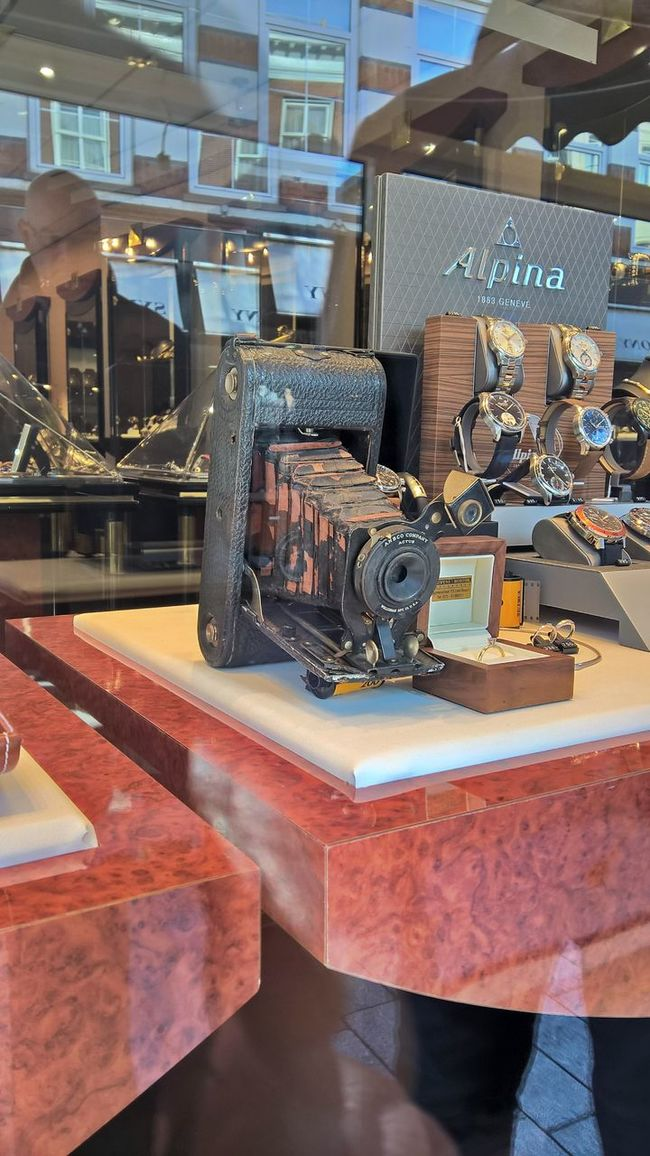 Old Vintage Camera Beauty's  Watches⌚️ Hertogenbosch Sunny Day Den Bosch Places You Must To See
