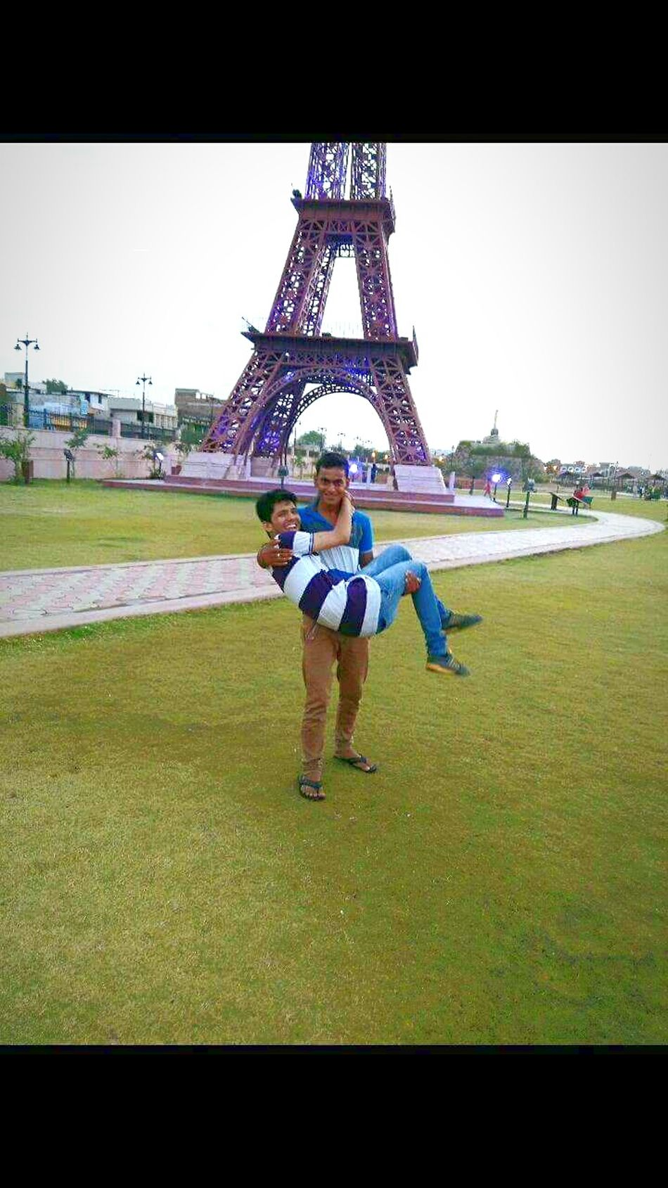 I m injured and my friend help me to carry me at home ..Feel The Journey Friends Friendsforlife IFITtower Greenery 7 Wonders Park Kota Royal Rajasthan Incredible India Sweet Memories Original Experiences Here Belongs To Me Yashansh_photography