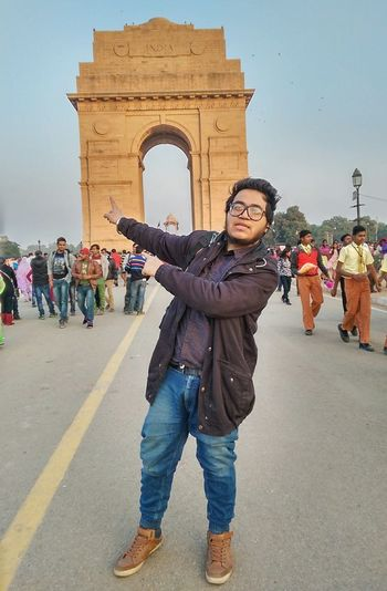 India gate. Hanging Out Taking Photos India Индия Traveldiaries Winters New Delhi Delhidiaries GoodTimes Traveller Moments Photooftheday That's Me