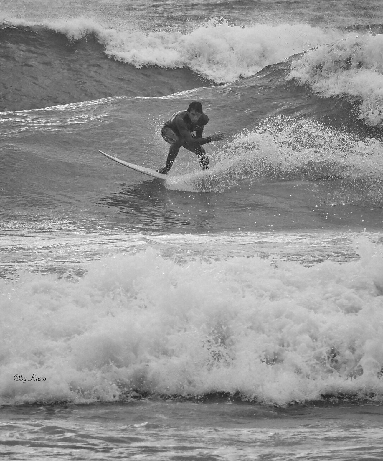 Sobre el mar... Sea Wave Surfing Power In Nature Nature Splashing Real People Extreme Sports One Person Aquatic Sport Water Sport Surfboard Surf Olympus Om-d E-m10 Olympus Capture The Moment Eye4photography  Beach Life EyeEm Best Shots Beachphotography Bw Photography BW Collection