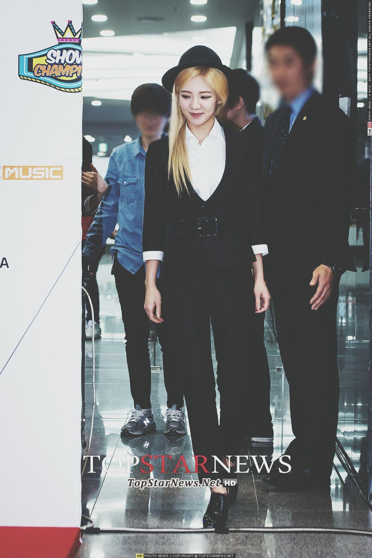 [UPDATE] 140319 SNSD @ MBC Champion 100th Special Red Carpet -[©TopStarNews] Hyoyeon SNSD GirlsGeneration Soshi