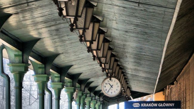 Railway Station Lamps Clock