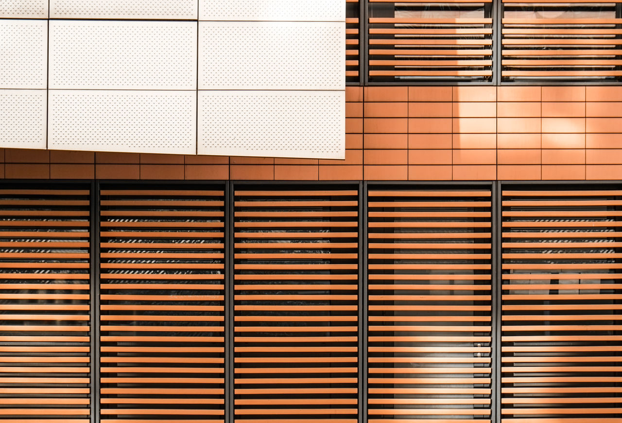 Facadedetail Architectural Detail Architectural Feature Architecture Architecture_collection Architecturelovers Backgrounds Blinds Close-up Day Facade Detail Full Frame Minimalism Minimalist Minimalist Architecture No People Pattern Simplicity Urban Geometry Urbanphotography The Architect - 2017 EyeEm Awards
