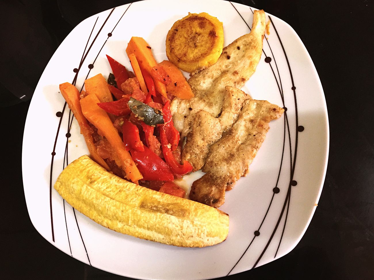 Lo de hoy GoodTimes Ready-to-eat Plate High Angle View