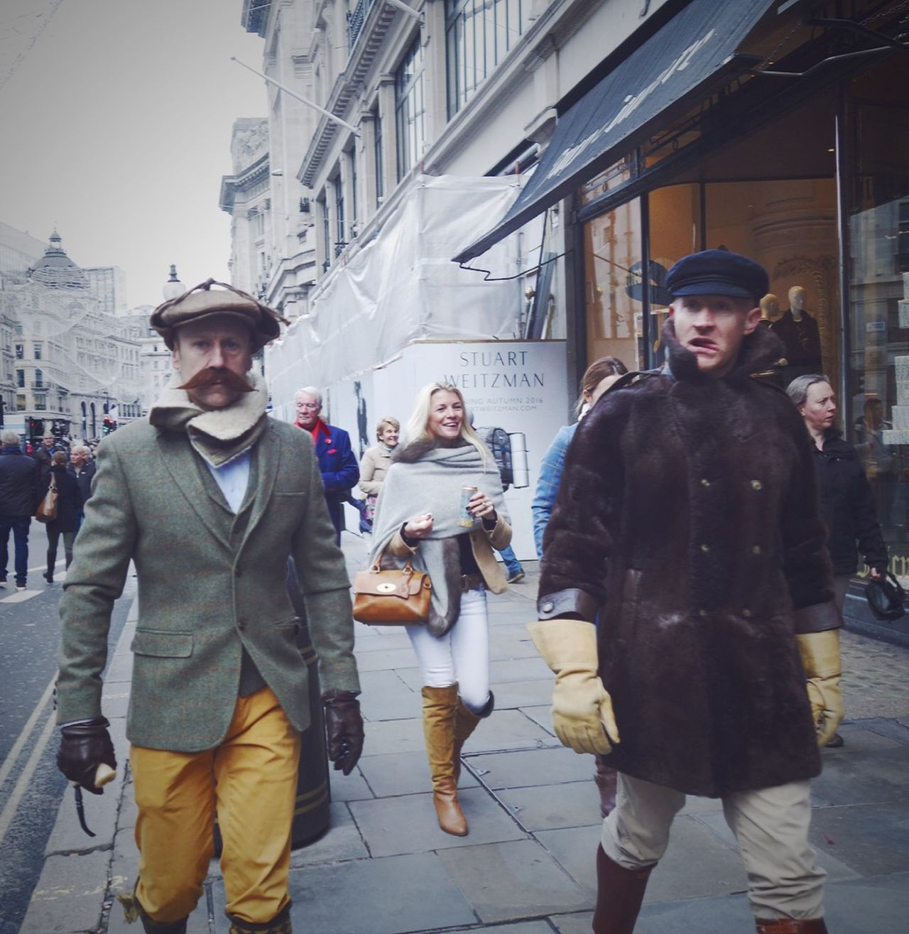 Street Photography People Photography London Lifestyle London Street Photography EyeEm Gallery Vintage Style Vintage Fashion Vintage Clothes United Kingdom LONDON❤ City Life People On The Street Traditional Clothing Real People Classic Style People London Lifestyle