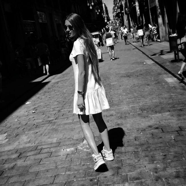 Streetphotography Blancoynegro Street Blackandwhite Monochrome Girl Girls Streetphoto_bw Street Life Streetphotography_bw NEM Black&white Flaneur NEM Street AMPt - Street IPhoneography IPhone Iphoneonly