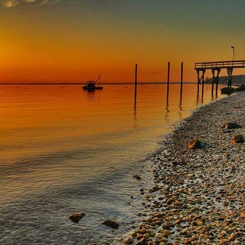 Wednesday Sunset! Insearchofsunset Longisland Fromwhereistand Longislandphotographers Longislandinstagram Eastend Dailywalk Dailyphoto Longislandinstagramer Longislandinstagram