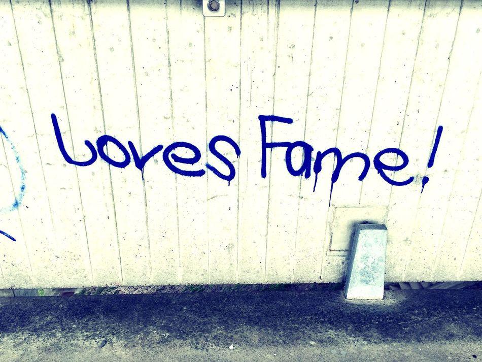 Love Fame Getting Inspired Lovethewayyousmile IPhoneography Graffiti Eye4photography  Walking Around Moments Under The Bridge