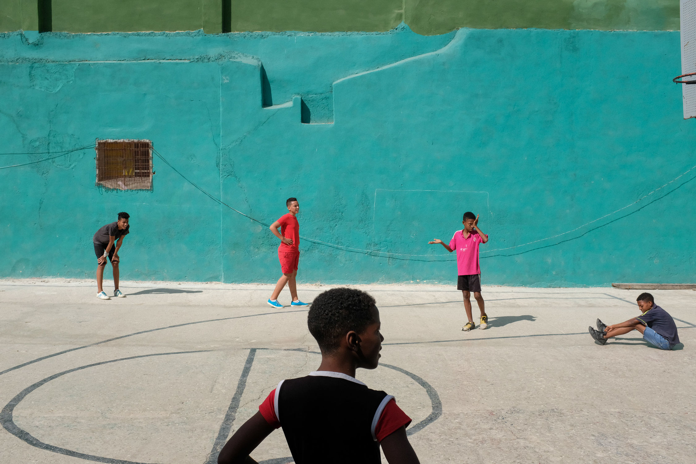 Havana, February 2017. 23mm Cuba fuji fujifilm FujiFilmX100 fujix100f grownupboy Havana havana cuba karledwards street streetphotography x100f The Week On EyeEm The Street Photographer - 2017 EyeEm Awards The Street Photographer - 2017 EyeEm Awards