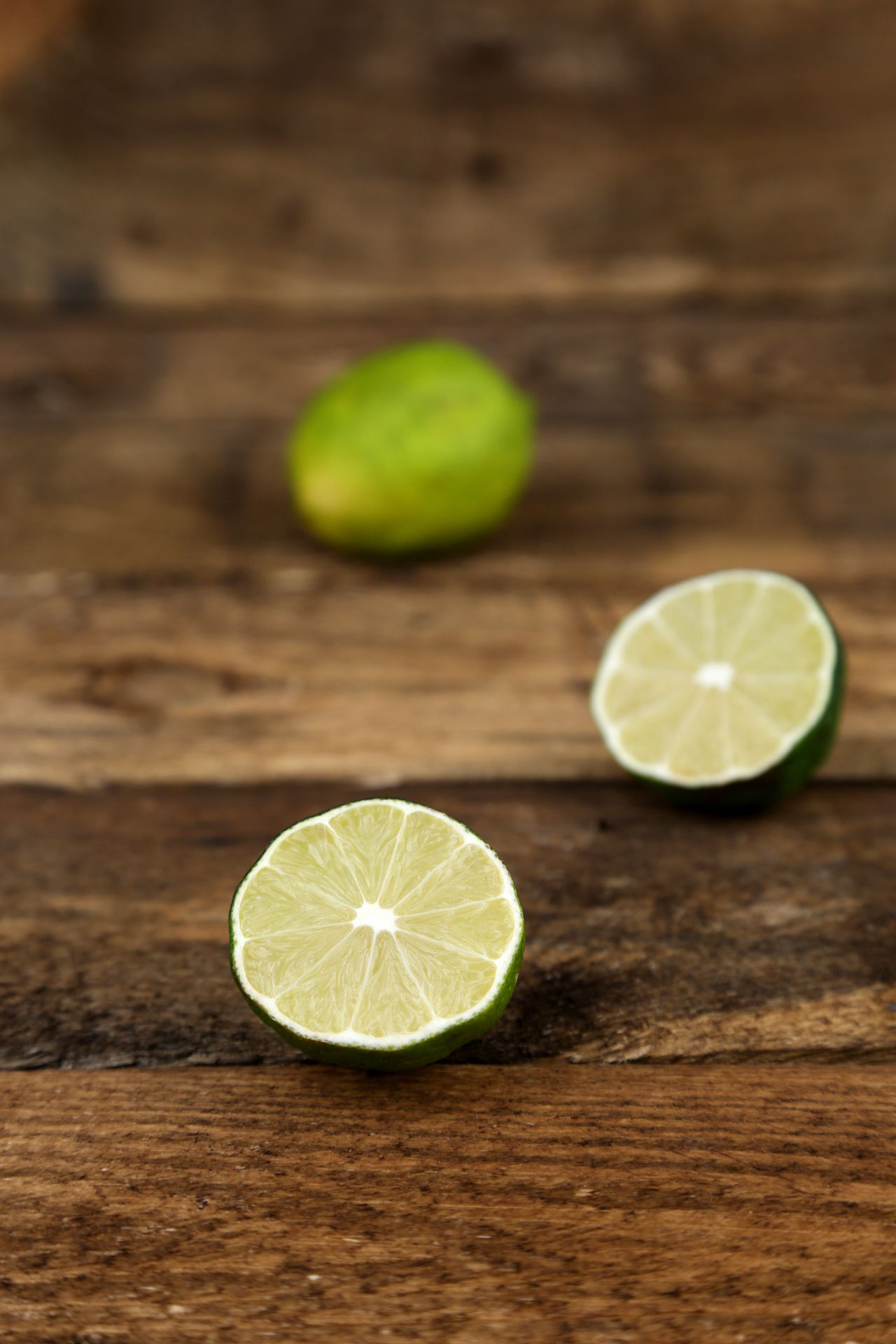 Background Brown Citron Citrus Fruit Close-up Cross Section Dividing Freshness Fruit Green Halved Indoors  Lemon Lime No People Planks SLICE Sour Taste Wallpaper Wood - Material
